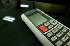 Controlo a distância condicional do ar do botão vermelho e 25 graus Celsius Foto de Stock Royalty Free