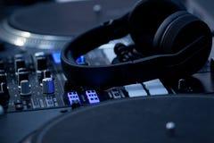 Controlo a distância do DJ foto de stock