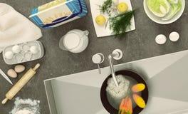 Controsoffitto di pietra con i piatti ed i prodotti Panorama Vista superiore Fotografia Stock Libera da Diritti