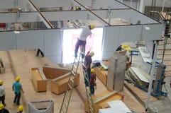 Convenção de Shenzhen e centro de exposição, os trabalhadores na construção e projeto de Imagem de Stock Royalty Free