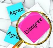 Convenez sont en désaccord opinion et point de vue moyens de papiers de post-it illustration de vecteur