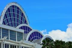 Convention Center anaranjado, impulsión internacional en Orlando, la Florida imagenes de archivo