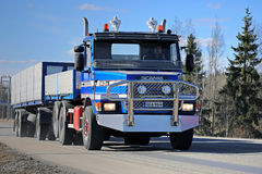 Conventional Scania 143H Combination Truck Stock Photography