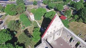 Convento de las ruinas del St Birgitta en Tallinn, Estonia almacen de metraje de vídeo