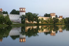 Convento de Novodevichy (na noite), Moscovo, Rússia Foto de Stock