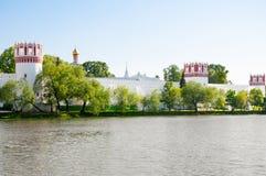 Convento de Novodevichy, um do local do patrimônio mundial do UNESCO, também monastério de Bogoroditse-Smolensky em Moscou, Rússi Imagem de Stock