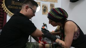 Convenzione internazionale del tatuaggio a Cracovia archivi video