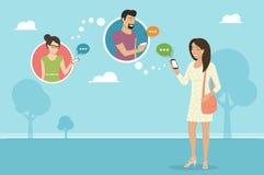 Conversa com os amigos através do mensageiro app ilustração stock