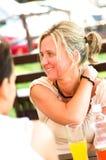 Conversa em um café Imagem de Stock Royalty Free