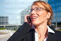 Conversa telefónica da mulher de negócios Fotos de Stock Royalty Free