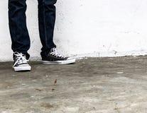 Conversa todo o preto das sapatilhas da estrela imagens de stock royalty free