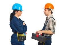 Conversación de las personas de los trabajadores del constructor Fotografía de archivo libre de regalías