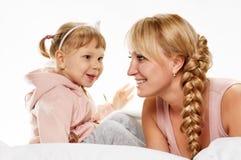 Conversation de fille de mère Photographie stock