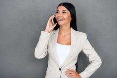 Conversazione adorabile di affari Immagini Stock