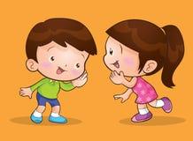Conversazione ed ascolto dei bambini Immagini Stock