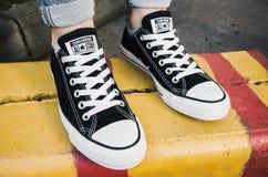 Converse czarne brezentowe chucka Taylor gwiazdy Zdjęcie Stock