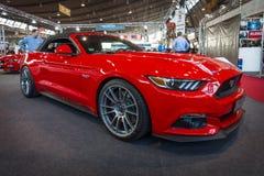 Convertibile di Ford Mustang GT dell'automobile di cavallino (sesta generazione), 2015 Immagini Stock Libere da Diritti