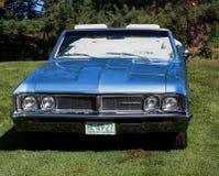 Convertible bleu classique reconstitué de Beaumont Images stock