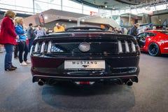 Convertible de Ford Mustang EcoBoost de voiture de poney (sixième génération), 2015 Photo libre de droits