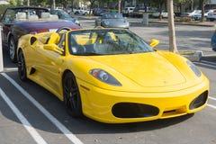 Convertible de la araña de Ferrari F430 en la exhibición Fotos de archivo