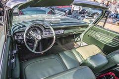 Convertible 1960 de porte du Newyorkais 2 de Chrysler Images libres de droits
