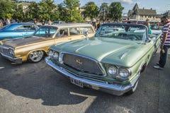 Convertible 1960 de porte du Newyorkais 2 de Chrysler Photo libre de droits