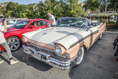 1957 convertible du fairlane 500 de gué Images stock