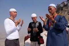 Convertido de los musulmanes de Mualaf que toma el selfie imagen de archivo libre de regalías