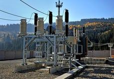 Convertidor de alto voltaje en una central eléctrica fotografía de archivo libre de regalías