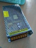 Convertisseur C.A. de 220 volts à 24 dc de volt 5 ampères photos stock