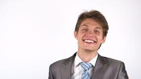 Convidando para um projeto novo, homem de negócios entusiasmado video estoque