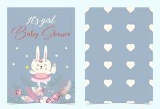 Convite azul cor-de-rosa do aniversário com coelho, coração, flor, pena, boho e rosa fotos de stock royalty free
