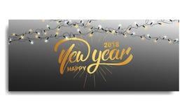 Convite 2018 do ano novo Carde o molde com luzes de Natal e rotulação de incandescência da mão Ano novo feliz 2018 Foto de Stock