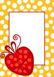 Convite do cartão de aniversário com um presente do coração Fotos de Stock Royalty Free