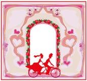 Convite do casamento com os noivos que montam a bicicleta em tandem ilustração do vetor