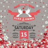 Convite do casamento Pombos, corações de voo, fundo das flores Fotografia de Stock Royalty Free