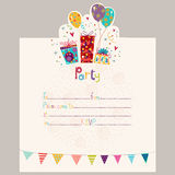 Convite do feliz aniversario Cartão do aniversário com presentes e balões Foto de Stock Royalty Free