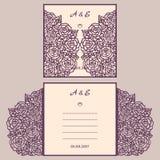 Convite ou cartão do casamento com ornamento abstrato Molde do envelope do vetor para o corte do laser Cartão do corte do papel Fotografia de Stock Royalty Free