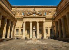 Convitto Palmieri med bysten av Giosue Carducci Lecce Puglia Arkivbilder