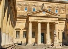 Convitto Palmieri med bysten av Giosue Carducci Lecce Puglia Royaltyfri Bild