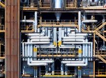 Convoglia la chimica della raffineria Immagine Stock Libera da Diritti