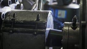 Convoglia la linea di produzione manifatturiera Fabbricazione di fabbrica di plastica delle tubature dell'acqua Processo di fabbr immagini stock libere da diritti