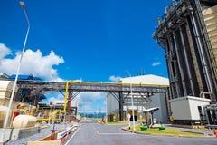 Convogliando ed attrezzatura in centrale elettrica del ciclo dell'associazione Fotografie Stock Libere da Diritti