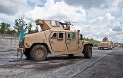 Convoi d'armée d'Ukrainien de véhicule blindé images libres de droits