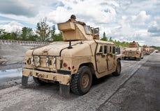 Convoi d'armée d'Ukrainien de véhicule blindé photo libre de droits