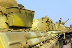 Convoi de réservoirs militaires Photo stock