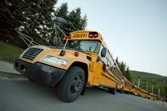 Convoy amarillo del autobús escolar Fotos de archivo