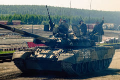 Convoy of T80U tank in motion. Russia Royalty Free Stock Photos