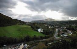 Conwy και η κοιλάδα Conwy στο χαρακτηριστικά δραματικό φωτισμό, Ουαλία, UK Στοκ φωτογραφία με δικαίωμα ελεύθερης χρήσης