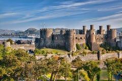 Conwy-Schloss in Wales, Vereinigtes Königreich, Reihe von Walesh zieht sich zurück lizenzfreies stockbild